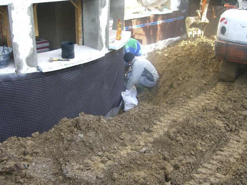 Isolamento termico pareti: materiali, costi e tecniche fai da te