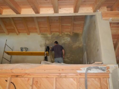 Posa intonaco interno in argilla e paglia spessore 30mm in edificio in legno a telaio-02