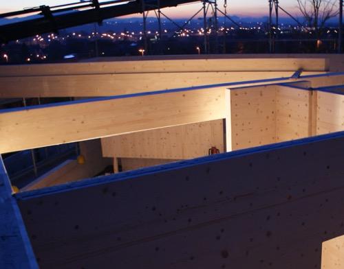 Foto posa parete strutturale in x-lam