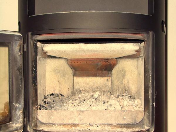 legna - Come accendere una stufa a legna con pellet senza fumo 20