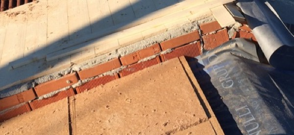 2015: Relazione e note su foto di cantiere esecuzione sistema a cappotto e tetto in fibra di legno  Zanica BERGAMO  Gradi Giorno 2475  Zona Climatica E
