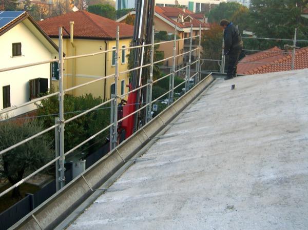 fibra-cosa-serve-subito-iniziare-isolamento-di-un-tetto-latero-cemento-fibra-legno-07