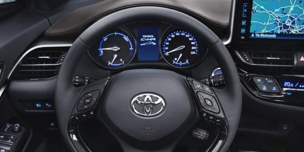 auto-benzina-prima-hybrid-toyota-ch-r-18-2wd-05