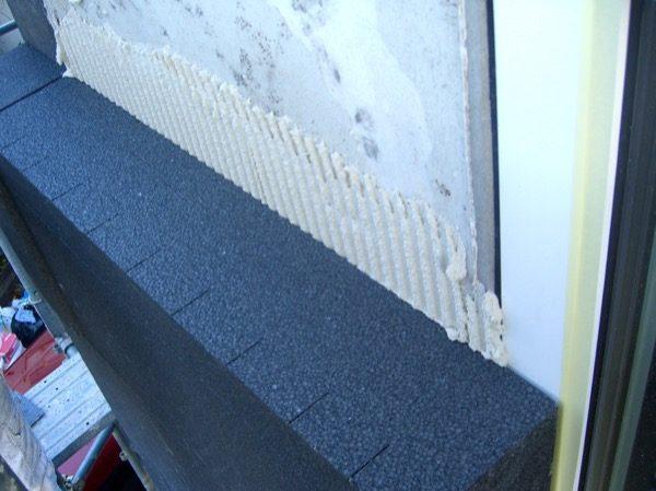 isolamento esterno a cappotto - La grafite contenuta nel pannello in EPS grigio 10