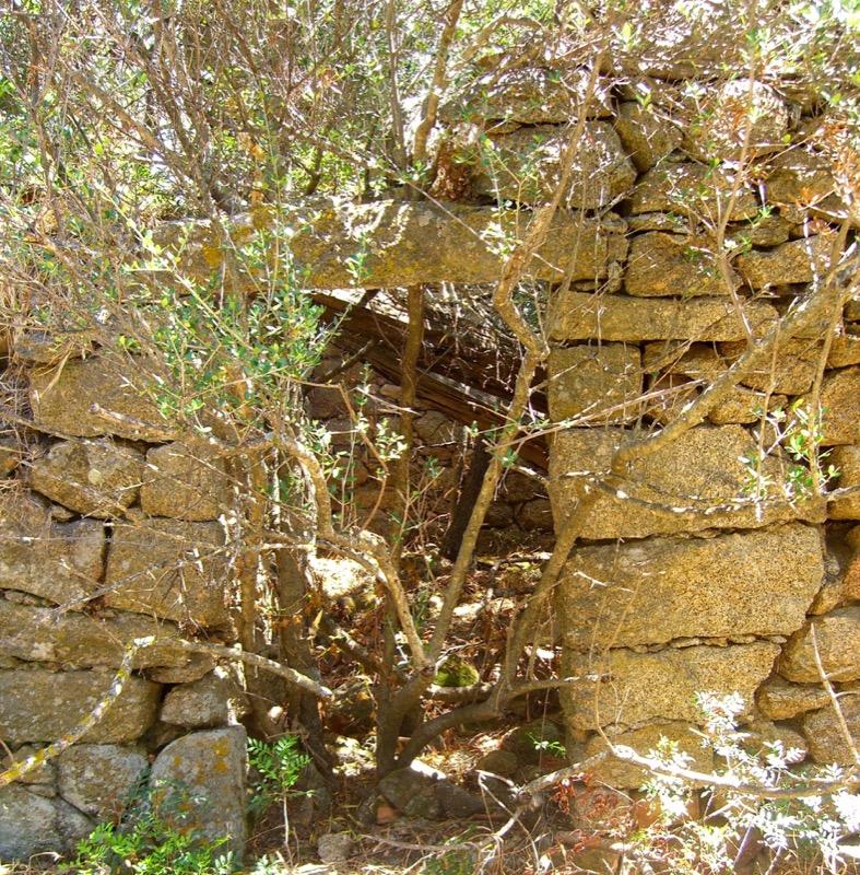 Architettura - L' isolation en granit devient une maison de vacances en Corse 48