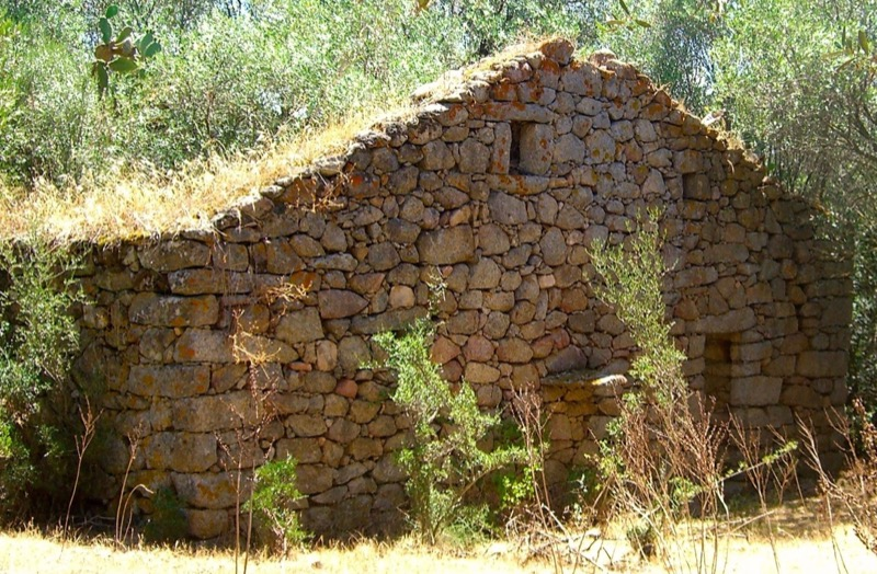 coibentazione contro il caldo - L'isolamento in granito diventa casa per vacanze in Corsica 40