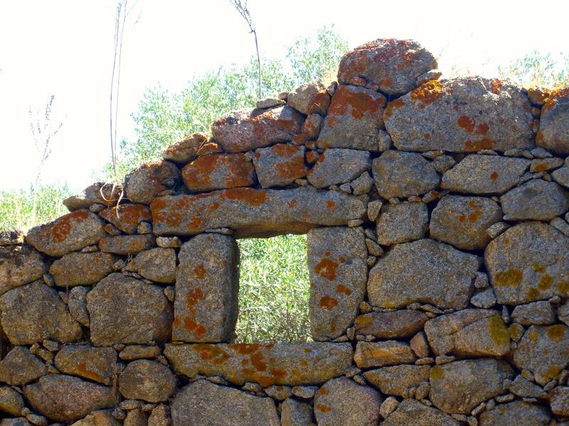 Architettura - L' isolation en granit devient une maison de vacances en Corse 24