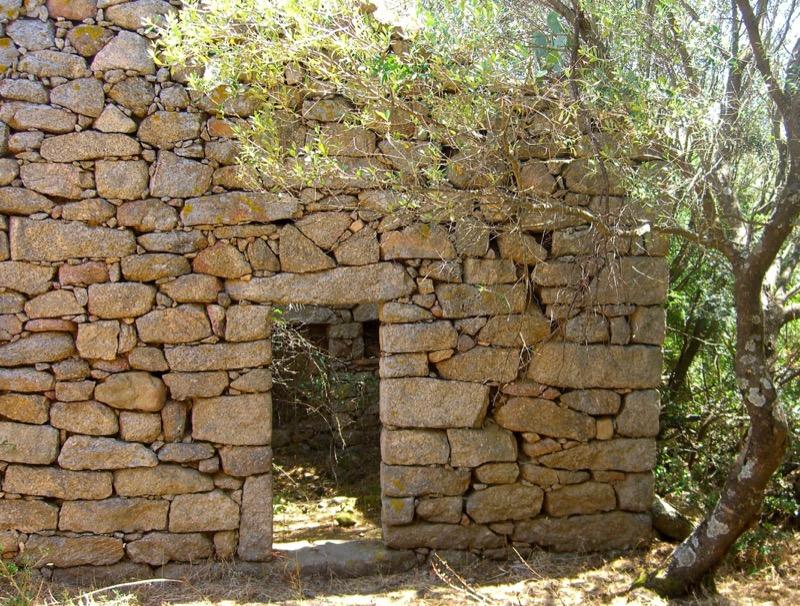 Architettura - L' isolation en granit devient une maison de vacances en Corse 52