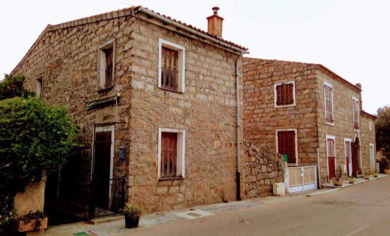 coibentazione contro il caldo - L'isolamento in granito diventa casa per vacanze in Corsica 30