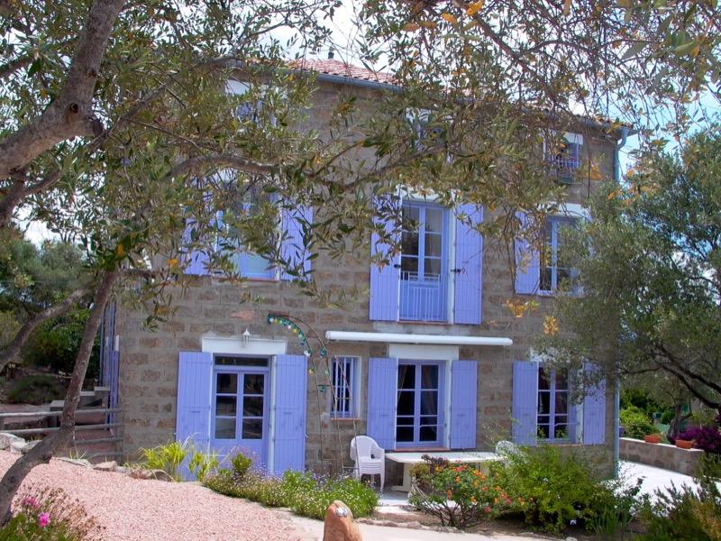 Architettura - L' isolation en granit devient une maison de vacances en Corse 86