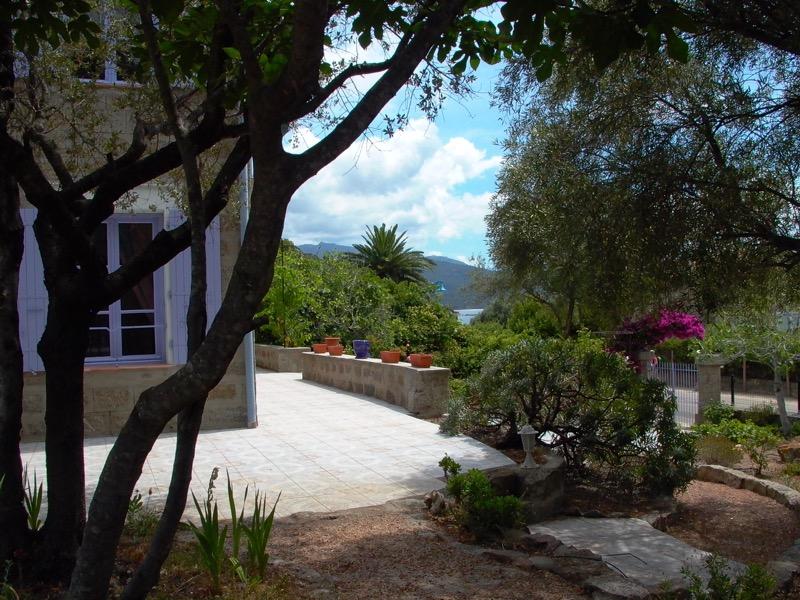 Architettura - L' isolation en granit devient une maison de vacances en Corse 186