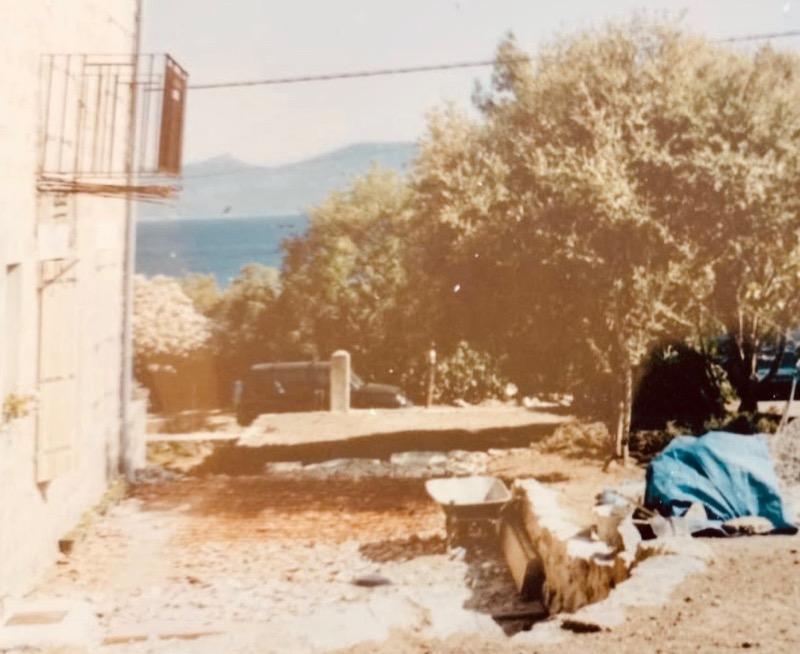 Architettura - L' isolation en granit devient une maison de vacances en Corse 182