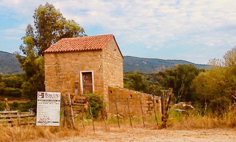 Architettura - L' isolation en granit devient une maison de vacances en Corse 82