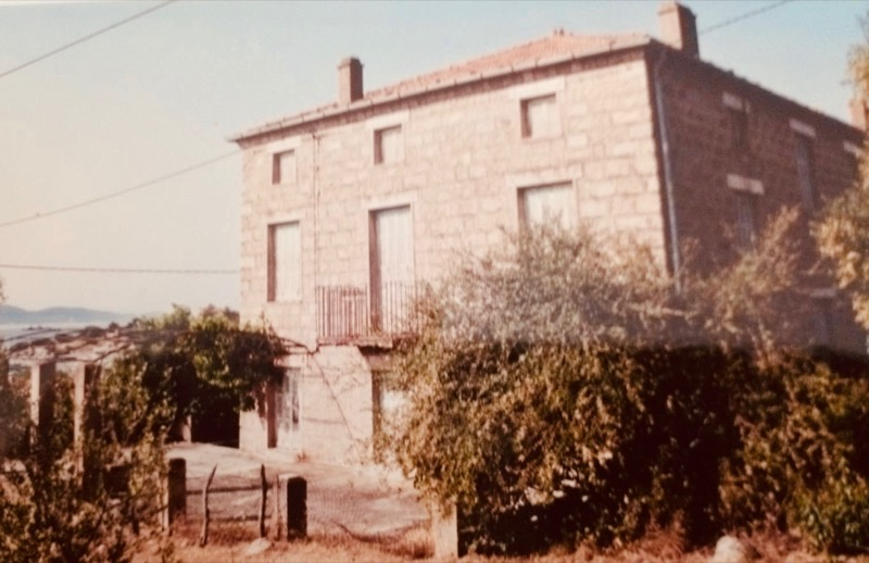 Architettura - L' isolation en granit devient une maison de vacances en Corse 172