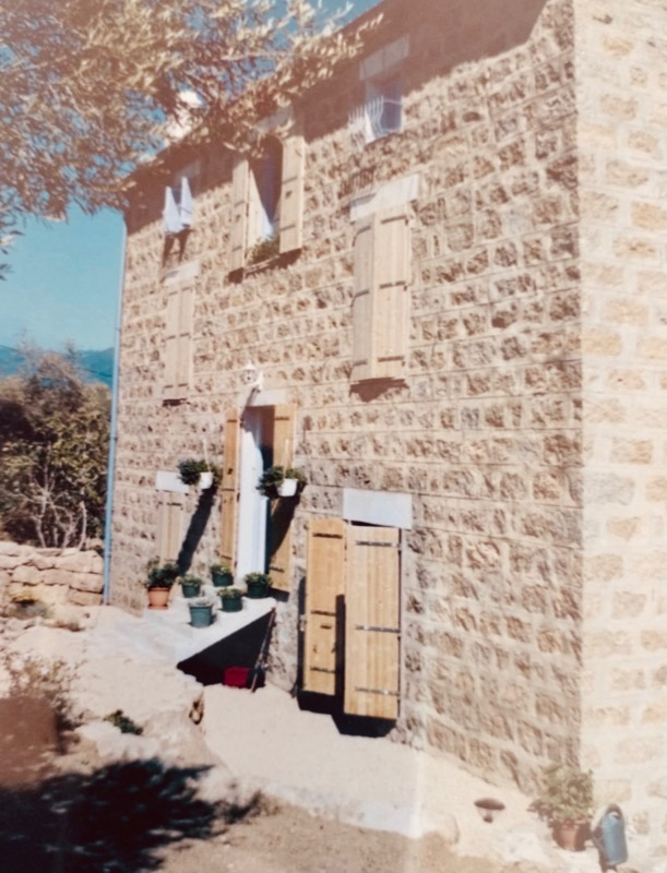 Architettura - L' isolation en granit devient une maison de vacances en Corse 196