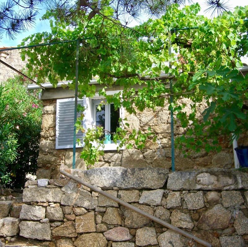 Architettura - L' isolation en granit devient une maison de vacances en Corse 58