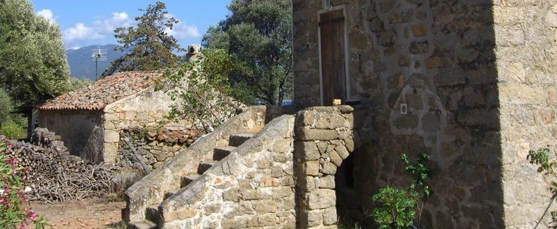 Architettura - L' isolation en granit devient une maison de vacances en Corse 62