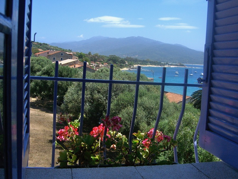 Architettura - L' isolation en granit devient une maison de vacances en Corse 116
