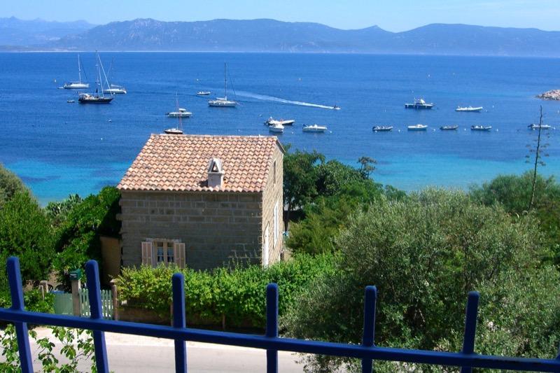 Architettura - L' isolation en granit devient une maison de vacances en Corse 134