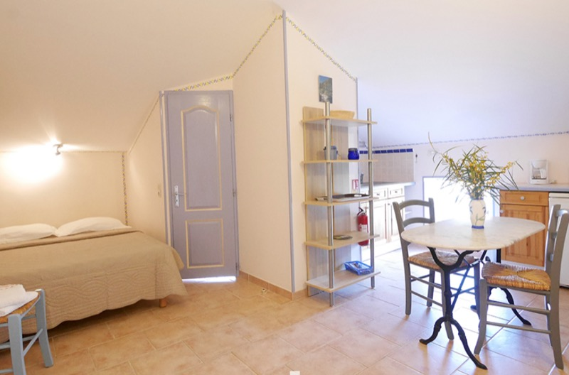 coibentazione contro il caldo - L'isolamento in granito diventa casa per vacanze in Corsica 106